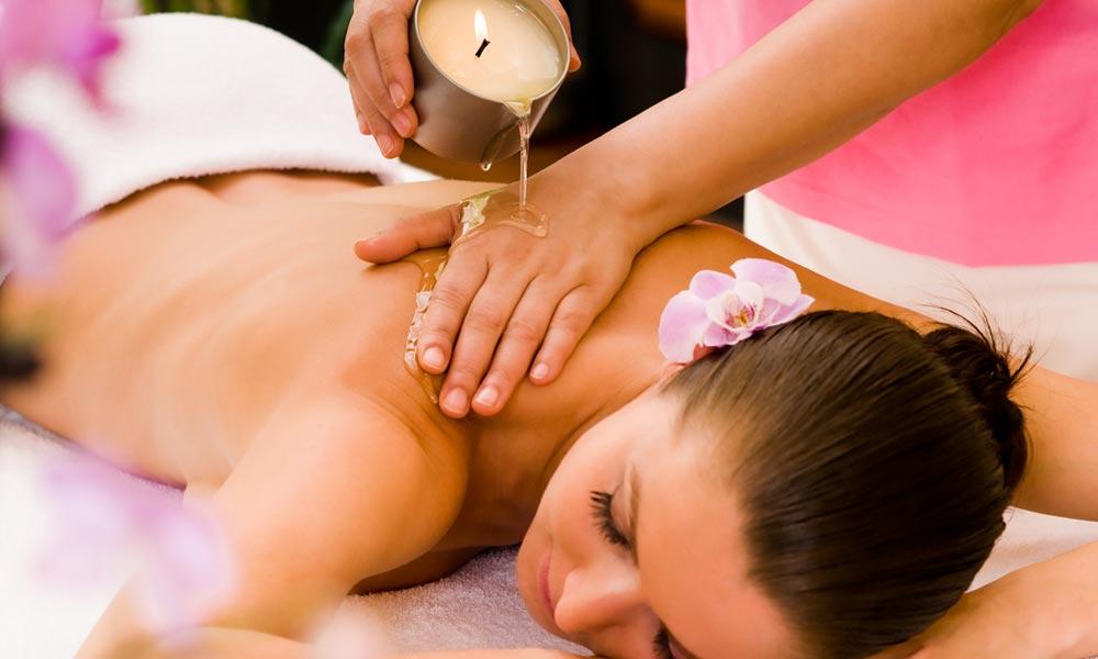 Masaje-relajante-velas-aceite-caliente