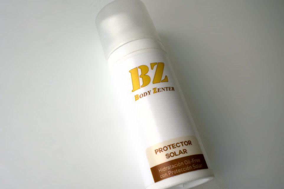 protector-solar-oil-free-crema-proteger-sol-acné-granos-arrugas-flacidez-protección-total Elche